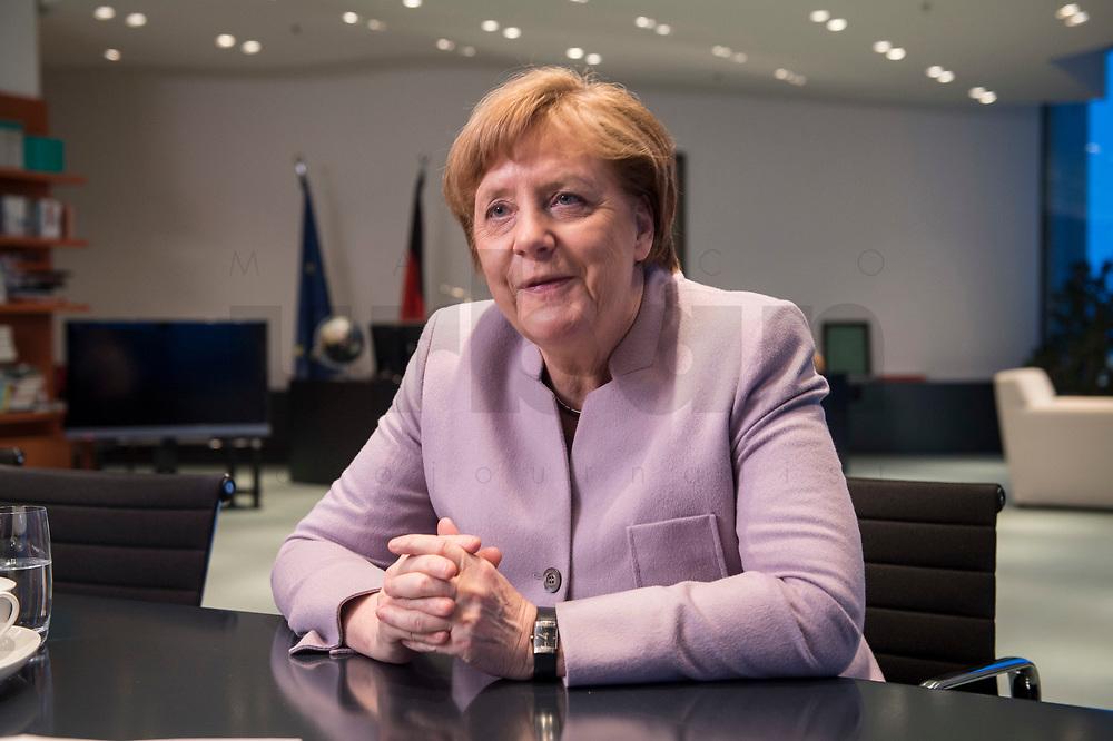 20 MAR 2017, BERLIN/GERMANY:<br /> Angela Merkel, CDU, Bundeskanzlerin, waehrend einem Interview, in ihrem Buero, Bundeskanzleramt<br /> IMAGE: 20170320-01-004<br /> KEYWORDS: Büro