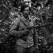 """HILARIO, MILICIANO DEL ASENTAMIENTO DE """"EL ESCAMBRAY """" FRONTERA CON HONDURAS.NICARAGUA.1985. © JORDI CAMÍ"""