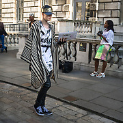 Covent Garden e' anche moda con le due edizioni delle Settimana della Moda di Febbraio e Settembre alla Somerset Huose.<br /> <br /> Covent Garden is also fashion with the two Fashion Week in February and September in Somerset House.<br /> <br /> #350d #photooftheday #picoftheday #bestoftheday #instadaily #instagood #follow #followme #nofilter #everydayuk #canon #buenavistaphoto #photojournalism #flaviogilardoni <br /> <br /> #london #uk #greaterlondon #londoncity #centrallondon #cityoflondon #londontaxi #londonuk #visitlondon #LondonFashionWeek #SomersetHouse #Covent Garden<br /> <br /> #photo #photography #photooftheday #photos #photographer #photograph #photoofday #streetphoto #photonews #amazingphoto #blackandwhitephoto #dailyphoto #funnyphoto #goodphoto #myphoto #photoftheday #photogalleries #photojournalist #photolibrary #photoreportage #pressphoto #stockphoto #todaysphoto #urbanphoto