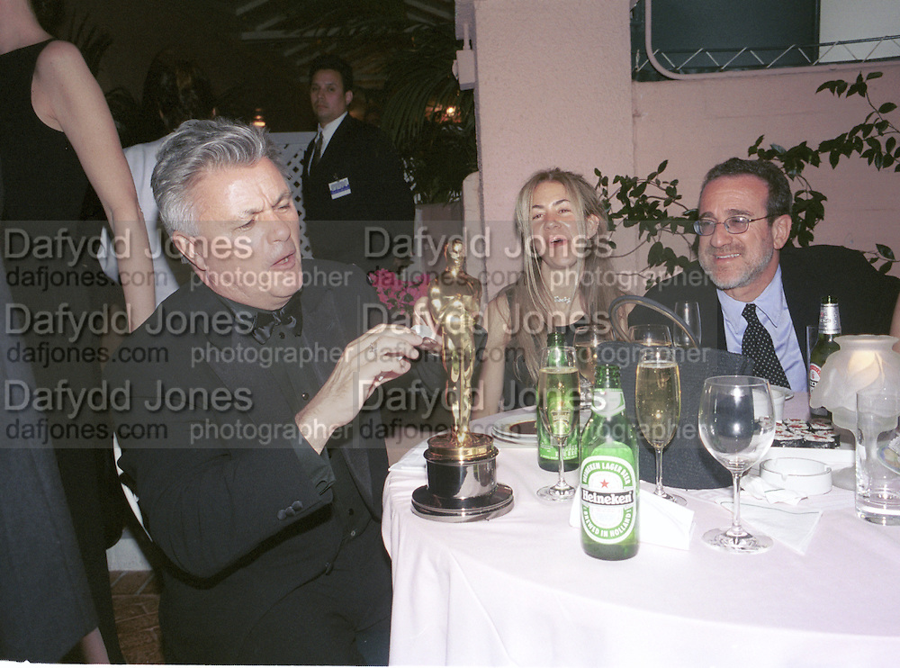 John Irving. Miramax post Oscar party. Beverley Hills Hotel. 26 March 2000. © Copyright Photograph by Dafydd Jones 66 Stockwell Park Rd. London SW9 0DA Tel 020 7733 0108 www.dafjones.com