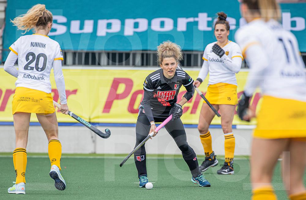 AMSTELVEEN -  Maria Verschoor (Adam) tijdens  de hoofdklasse hockey competitiewedstrijd dames, Amsterdam-Den Bosch (0-1)  COPYRIGHT WORLDSPORTPICS KOEN SUYK
