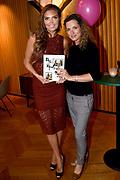 Boeklancering van het heerlijke en prachtige kookboek Food talk, met fotografie van Kim Feenstra en recepten van Bénine Bijleveld. in Hotel V, Amsterdam<br /> <br /> Op de foto: Aukje van Ginneken en Kim Feenstra
