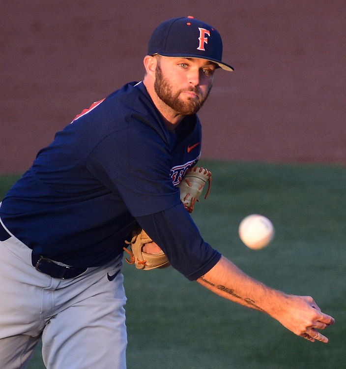 4/27/18 --- CSUF starting pitcher Colton Eastman delivers a pitch --- CSU Fullerton v. UC Irvine  --- Anteater Ballpark, UC Irvine, Irvine, CA<br /> <br /> Photo by Michel Lim / Sports Shooter Academy