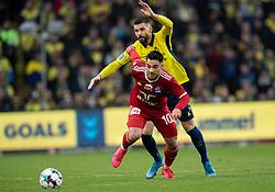 Rezan Corlu (Lyngby BK) følges af Anthony Jung (Brøndby IF) under kampen i 3F Superligaen mellem Brøndby IF og Lyngby Boldklub den 1. marts 2020 på Brøndby Stadion (Foto: Claus Birch).