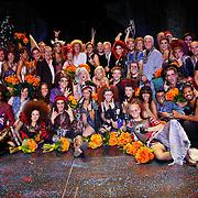 NLD/Utrecht/20100903 - Premiere Queen musical We Will Rock You, cast met Queen leden Brian May en Roger Taylor