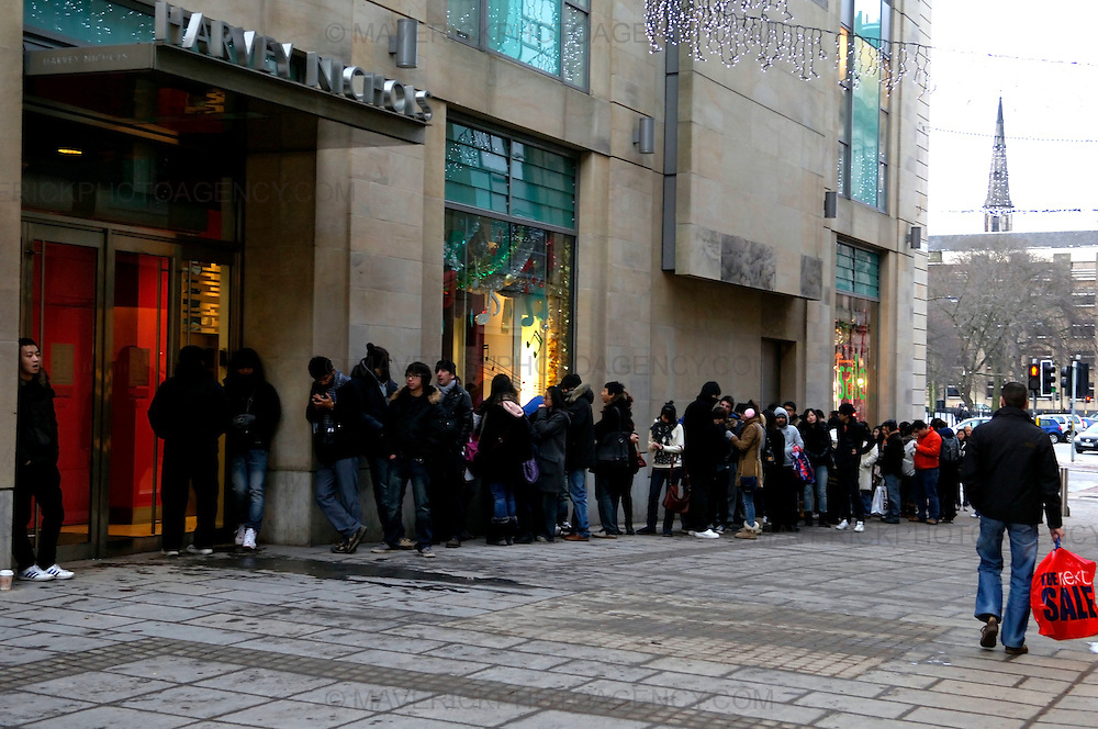EDINBURGH, UK - 26th December 2010: Shoppers looking for a Boxing Day bargain hit the streets early this morning in Edinburgh. ..Picture shows the queue outside Harvey Nichols on Boxing day in Edinburgh...(Photograph: Richard Scott/MAVERICK)
