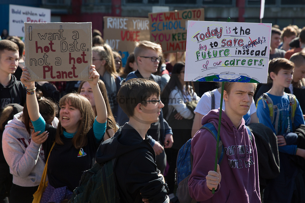Duesseldorf, Germany - 22.03.2019 <br /> <br /> Fridays for Future Demonstration in Duesseldorf. According to the organizers, about 1000 people took part in the climate school strike in Duesseldorf.<br /> <br /> Fridays for Future Demonstration in Duesseldorf. Laut den Veranstaltern beteiligten sich etwa 1000 Menschen an Klima-Schulstreik in Duesseldorf.<br /> <br /> Photo: Bjoern Kietzmann