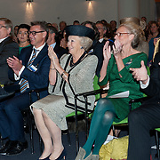 Prinses Beatrix bij viering 200 jaar Commissie van Toezicht op gevangeniswezen in Vergadercentrum Regardz Eenhoorn Amersfoort.<br /> <br /> Princess Beatrix at celebration 200 years Supervisory Committee on Prisons in Conference center Regardz Unicorn Amersfoort.<br /> <br /> Op de foto / On the photo: <br /> <br />  Princes beatrix met rechts Christine Linzel, voorzitter klankbordgroep Cvi' s en Staatssecretaris van Veiligheid en Justitie Fred Teeven