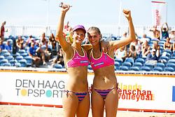 20150830 NED: NK Beachvolleybal 2015, Scheveningen<br />Joy Stubbe en Nika Daalderop winnen het brons op het NK Beachvolleybal 2015