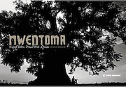 Nwentoma: Visual Notes from West Africa features 55 black and white images of Olivier Asselin's early photography work from West Africa.