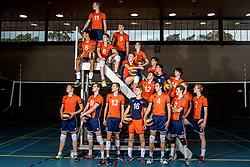 08-12-2017 NED: Reportage pre jeugd Oranje jongens, Arnhem<br /> Teamfoto jeugd Oranje seizoen 2018