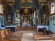 Wnętrze barokowego kościoła pod wezwaniem Matki Bożej Pocieszenia ze wsi Rogowo nad Wisłą. Muzeum Wsi Kieleckiej – Park Etnograficzny w Tokarni.
