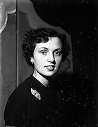 08/12/1952<br /> 12/08/1952<br /> 08 December 1952<br /> Abbey Theatre pantomime, Miss Kay Toal.