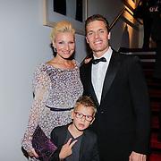 NLD/Amsterdam/20120923- Premiere musical De Jantjes, Denise van Rijswijk, partner Winston Post en zoon Jayden