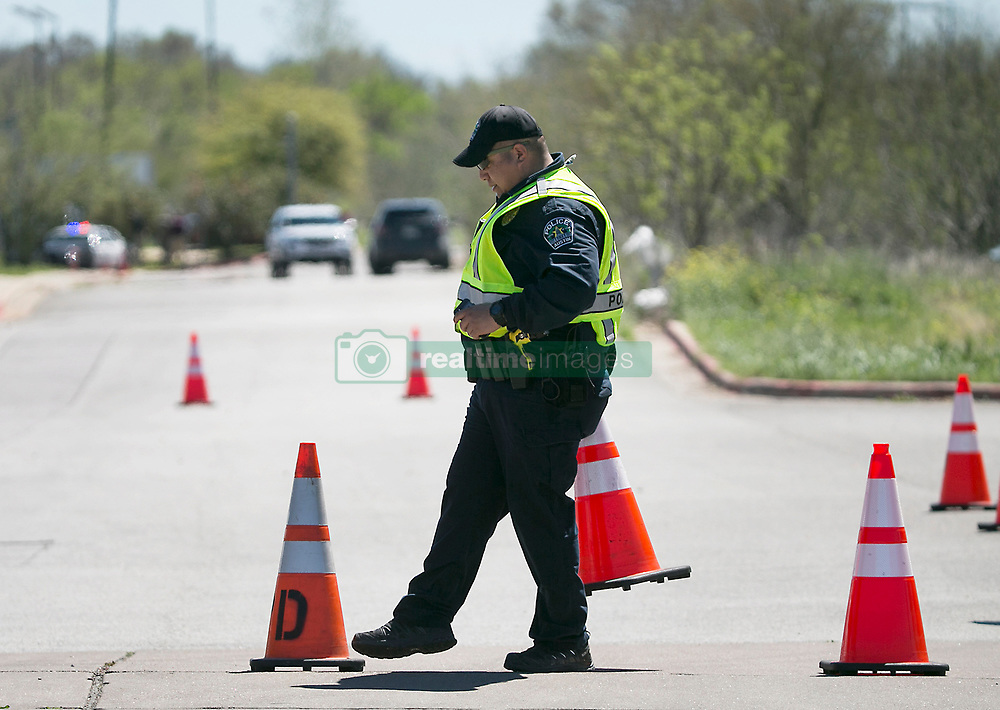 Austin Police and Federal investigators on the scene of a FedEx Ground facility located at 4117 McKinney Falls Parkway Tuesday morning March 20, 2018 for a suspicious package that could be tied to the recent Austin bombings and the earlier bomb that was detonated at a FedEd facility in Schertz, Texas. Photo by Ralph Barrera/Austin American-Statesman/TNS/ABACAPRESS.COM