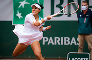 Kristie Ahn of the United States in action against Serena Williams of the United States during the first round at the Roland Garros 2020, Grand Slam tennis tournament, on September 28, 2020 at Roland Garros stadium in Paris, France - Photo Rob Prange / Spain ProSportsImages / DPPI / ProSportsImages / DPPI