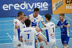 20181103 NED: Eredivisie, Sliedrecht Sport - Abiant Lycurgus: Sliedrecht<br />Spelers Abiant Lycurgus vieren een punt, oa Erik van der Schaaf (9), Wytze Kooistra (2), Steven Ottevanger (10) of Abiant Lycurgus<br />©2018-FotoHoogendoorn.nl / Pim Waslander