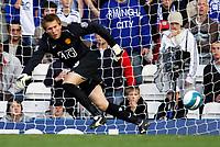 Photo: Richard Lane/Sportsbeat Images.<br />Birmingham City v Manchester United. The FA Barclays Premiership. 29/09/2007. <br />United goalkeeper, Tomasz Kuszczak.
