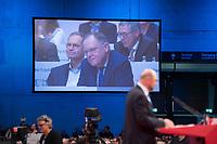 DEU, Deutschland, Germany, Berlin, 07.12.2017: Der SPD-Parteivorsitzende Martin Schulz bei seiner Rede auf dem Bundesparteitag der SPD im CityCube. Auf dem Screen dahinter Stephan Weil und Michael Müller.
