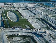 Nederland, Amsterdam, IJburg, 17-10-2005; luchtfoto (25% toeslag); aanleg park op het Haveneiland Oost aan het eind van de IJburglaan, eindpunt tramlijn 26 (IJ-tram); rechts van het park zijn bruggen in aanleg  te zien (liggen nu nog in het zand, de betreffende waterwegen worden later onder de brug gegraven!); recreatie, bouw, vinex, woonwijk, woningbouw, woningnood, infrastructuur, bouwen, planologie, ruimtelijke ordening, landschap.Foto Siebe Swart