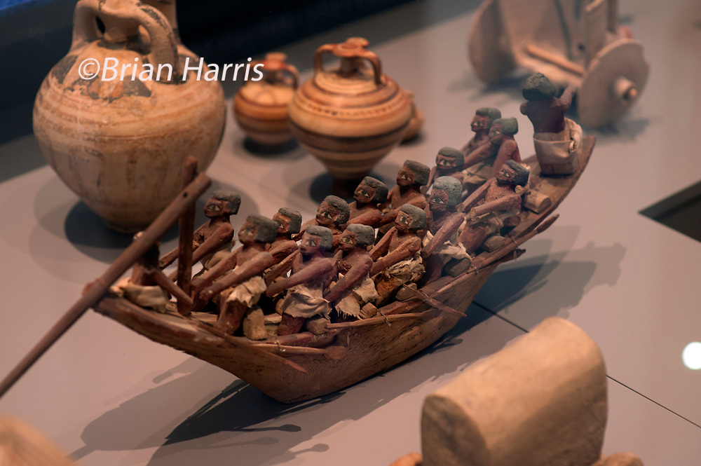 John Carey Author and critic visits the Ashmolean Museum, Oxford, England, for Intelligent Life Magazine. Photographed by Brian Harris 11 October 2011.<br /> Sumerian River Boat in Mesopotamia 3000-2000 BC