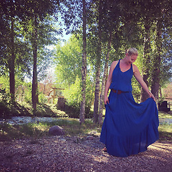 """Katherine Heigl releases a photo on Twitter with the following caption: """"""""Another beautiful night in Utah on #badlandsranch. Feeling twirly in my lovely summer dress. @ellamoss makes such...https://t.co/TpPsix9NlL"""""""". Photo Credit: Twitter *** No USA Distribution *** For Editorial Use Only *** Not to be Published in Books or Photo Books ***  Please note: Fees charged by the agency are for the agency's services only, and do not, nor are they intended to, convey to the user any ownership of Copyright or License in the material. The agency does not claim any ownership including but not limited to Copyright or License in the attached material. By publishing this material you expressly agree to indemnify and to hold the agency and its directors, shareholders and employees harmless from any loss, claims, damages, demands, expenses (including legal fees), or any causes of action or allegation against the agency arising out of or connected in any way with publication of the material."""