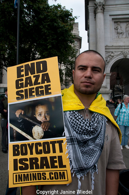 Muslims at annual Quds Day march in London 4th September 2010