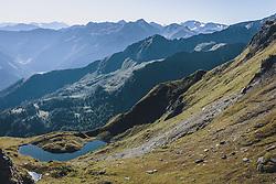 THEMENBILD - ein Bergsee unterhalb des Imbachhorn mit Blick auf die Bergwelt Richtung Fusch. Wanderung auf das Imbachhorn in den Hohen Tauern, das zwischen dem Fuscher Tal und dem Kapruner Tal liegt, aufgenommen am 09. September 2020 in Kaprun, Oesterreich // a mountain lake below the Imbachhorn with a view of the mountain world towards Fusch. Hike to the Imbachhorn in the Hohe Tauern, which lies between the Fuscher Valley and the Kaprun Valley, in Kaprun, Austria on 2020/09/09. EXPA Pictures © 2020, PhotoCredit: EXPA/Stefanie Oberhauser