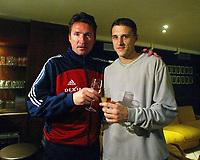 Fotball - Belgisk liga 2002/2003 <br /> Soulier d'Or 2002<br /> Trond Sollied og Timmy Simons - Brugge<br /> Foto: Vincent Kalut, Digitalsport