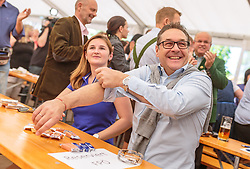 21.04.2018, Kuglhof, Salzburg, AUT, Landtagswahl in Salzburg 2018, FPOe Wahlkampfschlussveranstaltung, im Bild v. l.: Marlene Svazek (FPOe), Vizekanzler Heinz- Christian Strache (FPOe) // f. l.: Marlene Svazek (FPOe), Austrian Vice Chancellor Heinz- Christian Strache during a campaign event of the FPOe Party for the State election in Salzburg 2018. Kuglhof in Salzburg, Austria on 2018/04/21. EXPA Pictures © 2018, PhotoCredit: EXPA/ JFK