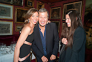 HEATHER KERZNER; MARIO TESTINO; ELIZABETH SALTZMAN; , Dinner hosted by Elizabeth Saltzman for Mario Testino and Kate Moss. Mark's Club. London. 5 June 2010. -DO NOT ARCHIVE-© Copyright Photograph by Dafydd Jones. 248 Clapham Rd. London SW9 0PZ. Tel 0207 820 0771. www.dafjones.com.