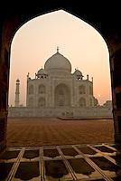 Sunrise at the Taj Mahal in Agra, Uttar Pradesh, India