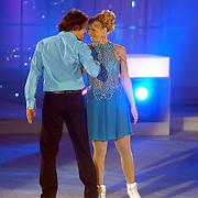 NLD/Hilversum/20060818 - Opname RTL Sterren Dansen op het IJs, Annemarie Thomas met partner Trevor Matthew Donald