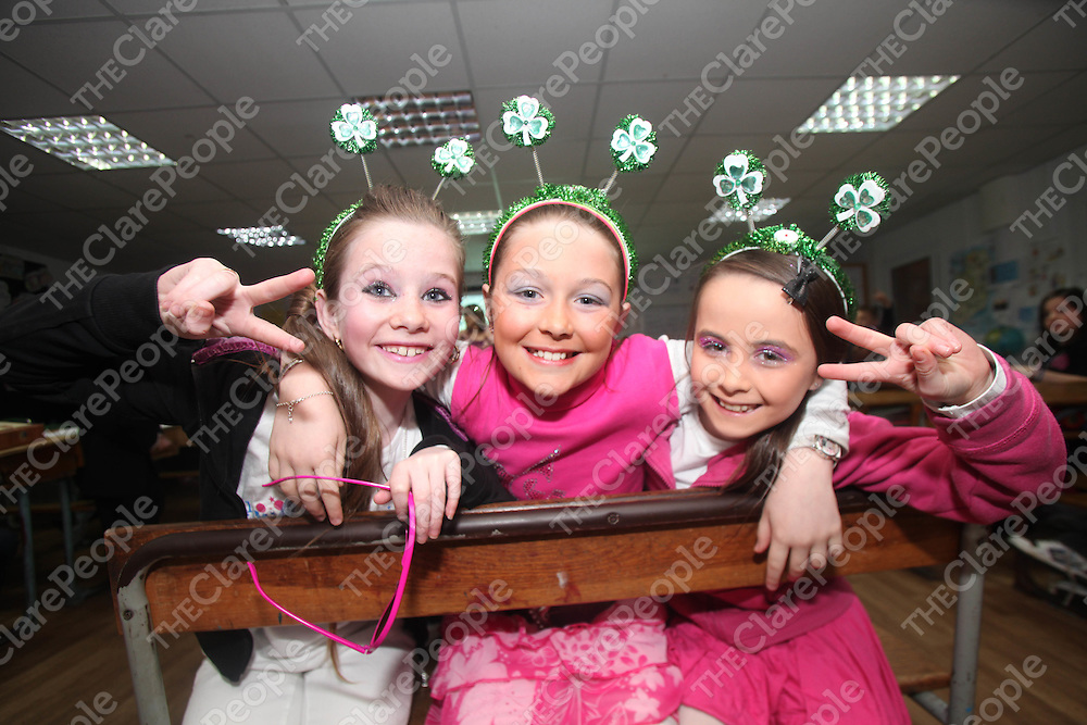 Chloe Molloy, Saoirse Brooks and Allison Kelly pictured at the PLay by Ennis CBS on Wednesday night.<br /> Pic. Brian Arthur/ Press 22.