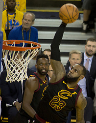 May 31, 2018 - Oakland, California, U.S - LeBron James #23 of the Cleveland  Cavaliers goes for a  dunk during  their NBA Championship Game 1 with the  Golden State Warriors  at Oracle Arena in Oakland,  California on Thursday,  May 31, 2018. ARMANDO  ARORIZO/PI (Credit Image: © Prensa Internacional via ZUMA Wire)