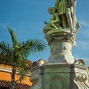 Great statue of Christopher Columbus looks out over the Plaza de la Aduana in the Old City, Cuidad Vieja, Cartagena, Colombia.
