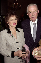 The EARL & COUNTESS OF DUDLEY at a party in London on 10th October 2000.<br /> OHT 22