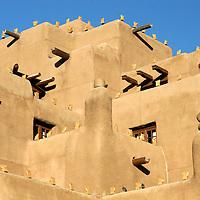 North America, USA, New Mexico, Santa Fe. Adobe Inn at Loretto 2