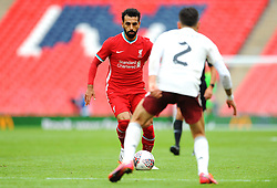 Mohamed Salah of Liverpool tries to get past Hector Bellerin of Arsenal- Mandatory by-line: Nizaam Jones/JMP - 29/08/2020 - FOOTBALL - Wembley Stadium - London, England - Arsenal v Liverpool - FA Community Shield