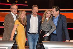 "19.02.2016, Huerth, GER, Settermin, Paarduell, im Bild vl: Frank Plasberg, Bestseller-Autorin Anne Gesthuysen, Moderator Joerg Pilawa, Katja Burkhard und Hans Mahr // during a photocall for the German TV-Show ""Paarduell"" in Huerth, Germany on 2016/02/19. EXPA Pictures © 2016, PhotoCredit: EXPA/ Eibner-Pressefoto/ Schüler<br /> <br /> *****ATTENTION - OUT of GER*****"