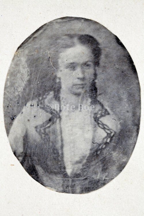 studio portrait woman late 1800s with retouch drawing marks