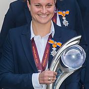 NLD/Den Haag/20171025 - Koning ontvangt winnaar EK voetbal Vrouwen 2017, Sherida Spitse