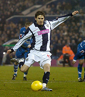 Photo: Glyn Thomas.<br />West Bromwich Albion v Reading. The FA Cup. 07/01/2006.<br />West Brom's Zoltan Gera gives his team a 1-0 lead from the penalty spot.