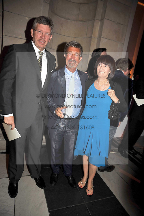Left to right, ROSS BRAWN, EDDIE JORDAN and MRS ROSS BRAWN at the F1 Party in aid of the Great Ormond Street Hospital Children's Charity held at the V&A, Londonon 17th June 2009.