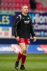 Scarlets' Johnny McNicholl during the pre match warm up - Mandatory by-line: Craig Thomas/JMP - 09/12/2017 - RUGBY - Parc y Scarlets - Llanelli, Wales - Scarlets v Benetton Rugby - European Rugby Champions Cup