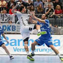 BHCs Ace Janovski (Nr.29) im Zweikampf mit Kiels Domagoj Duvnjak (Nr.04) im Spiel der Handballliga, Bergischer HC - THW Kiel.<br /> <br /> Foto © PIX-Sportfotos *** Foto ist honorarpflichtig! *** Auf Anfrage in hoeherer Qualitaet/Aufloesung. Belegexemplar erbeten. Veroeffentlichung ausschliesslich fuer journalistisch-publizistische Zwecke. For editorial use only.