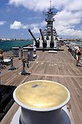 Capstan of 15,000 pound capacity winch on aft deck  of the battleship Missouri. Battleship Missouri Memorial, Pearl Harbour, Hawaii