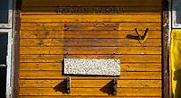 11.10.2014 wies Narewka na obrzezach Puszczy Bialowieskiej woj podlaskie N/z miejsce po tablicy poswieconej patronowi szkoly na budynku dawnej podstawowki fot Michal Kosc / AGENCJA WSCHOD