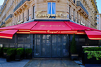 France, Paris (75), Champs Élysée, le rerstraurant Fouquet's  durant le confinement du Covid 19 // France, Paris, Champs Élysée and Fouquet's restaurant during the containment of Covid 19