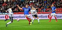 Fotball Menn Eliteserien Rosenborg-Vålerenga<br /> Lerkendal Stadion, Trondheim<br /> 17 september 2017<br /> <br /> Mike Jensen, Rosenborg (V) og Jonatan Tollås Nation, Vålerenga, i duell<br /> <br /> <br /> Foto : Arve Johnsen, Digitalsport